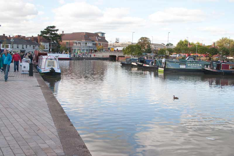 Craft in canal basin at Stratford upon Avon